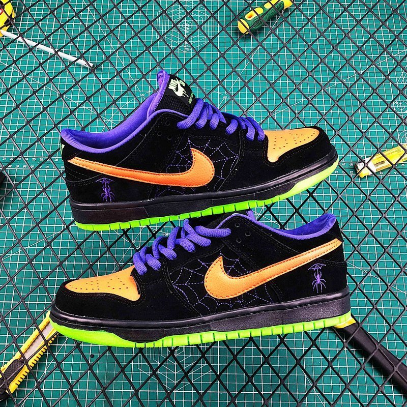 Men and Womens Nike SB Dunk Low Night of Mischief New Sale