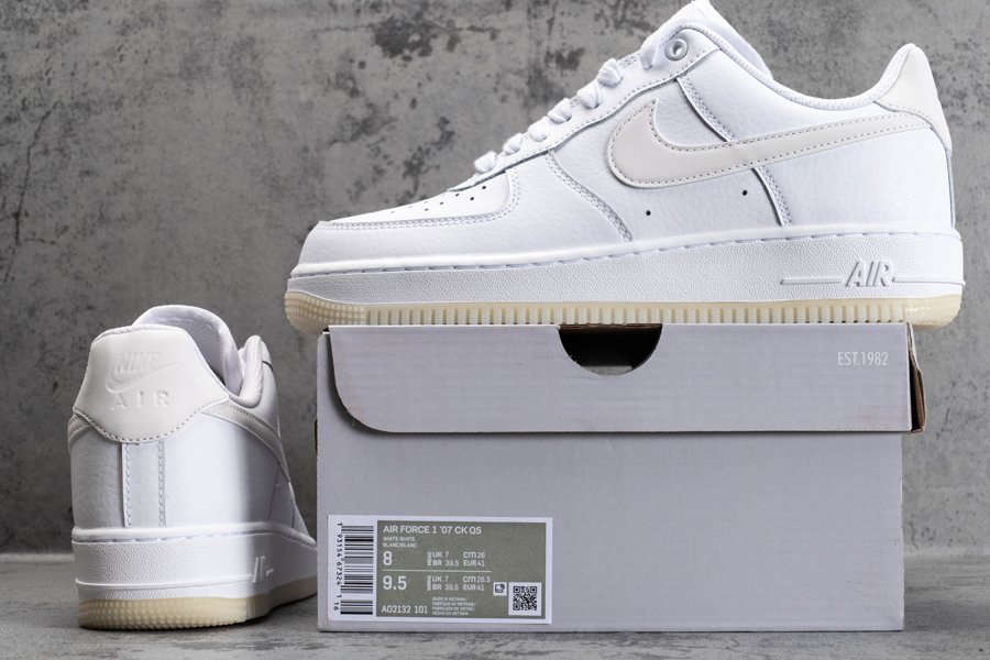 AO2132-101 White Nike Air Force 1 07 Essential Glow-in-the-Dark Sole