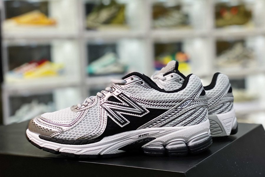 New Balance ML860XD Silver Black Outlet