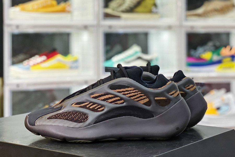 adidas Yeezy 700 V3 Clay Brown Black Copper New Sale