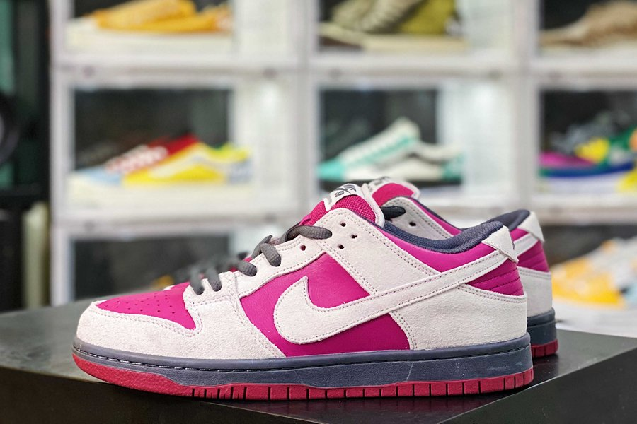 BQ6817-001 Nike SB Dunk Low In Burgundy and Grey New Sale